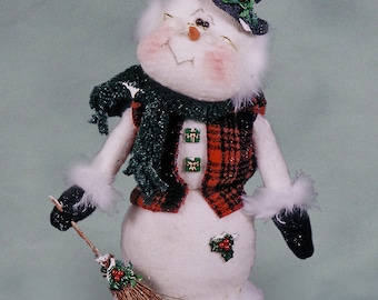 "Pattern: Mr Peabody - 13"" Christmas Snowman"