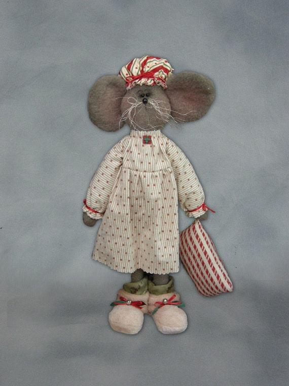 "Pattern: Courtney -19"" Mouse Girl - Christmas"