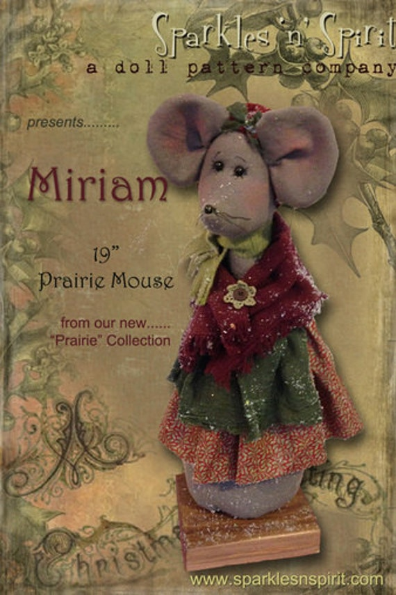 """Pattern: Miriam - 19"""" Christmas Mouse"""