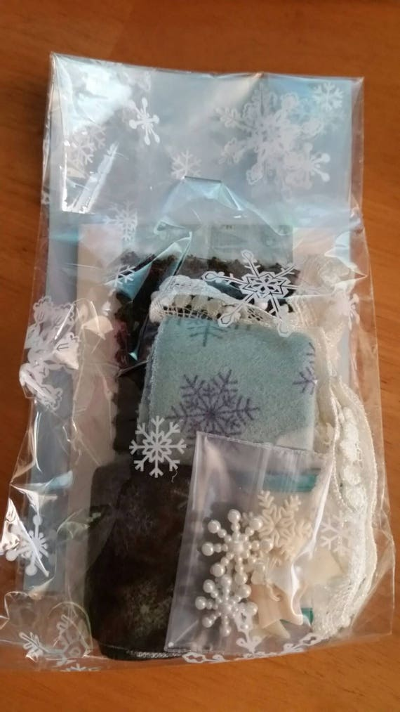Snow Fabric Scraps and Notions Pack