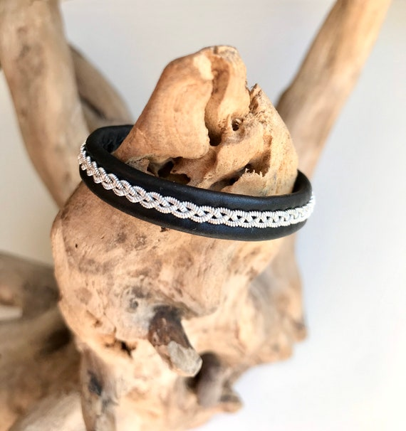 Traditional Lapland Sami reindeer leather bracelet with flat pewter.
