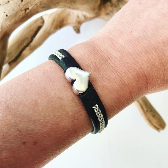 Sami reindeer leather bracelets with a silver heart, Blue or Black