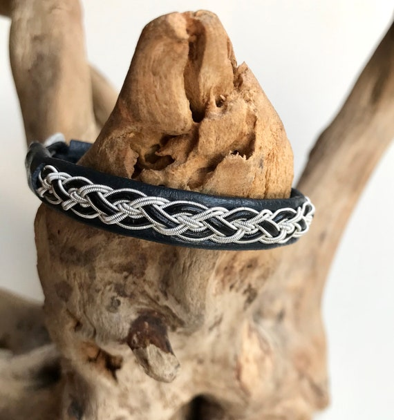 Traditional Lapland reindeer leather bracelet with pewter, silver and leather braid. Unisex bracelet.