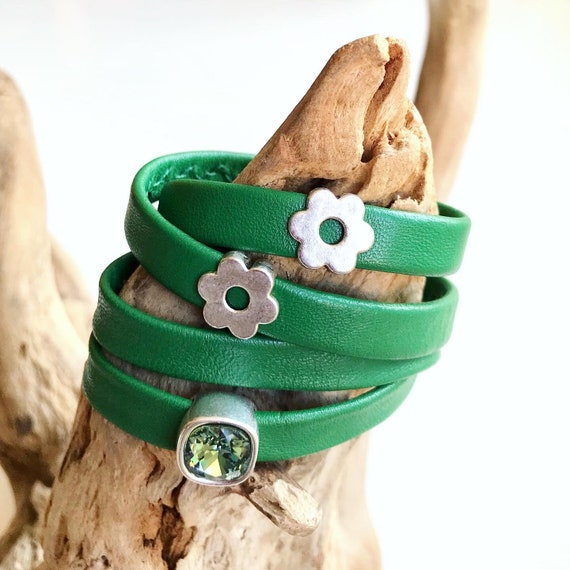 Jade green wrap around reindeer leather bracelet with a magnetic clasp.