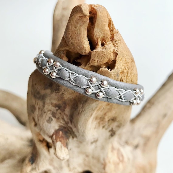 Sami mid grey reindeer leather, sterling silver beads bracelet with a magnetic clasp.