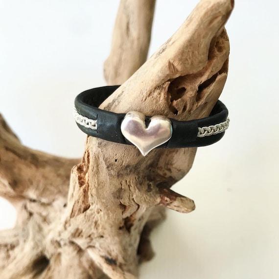 Sami reindeer leather bracelets with a silver heart, Blue or Black
