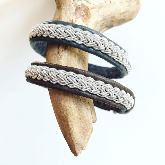 Traditional Sami reindeer leather bracelet with pewter and silver braid.