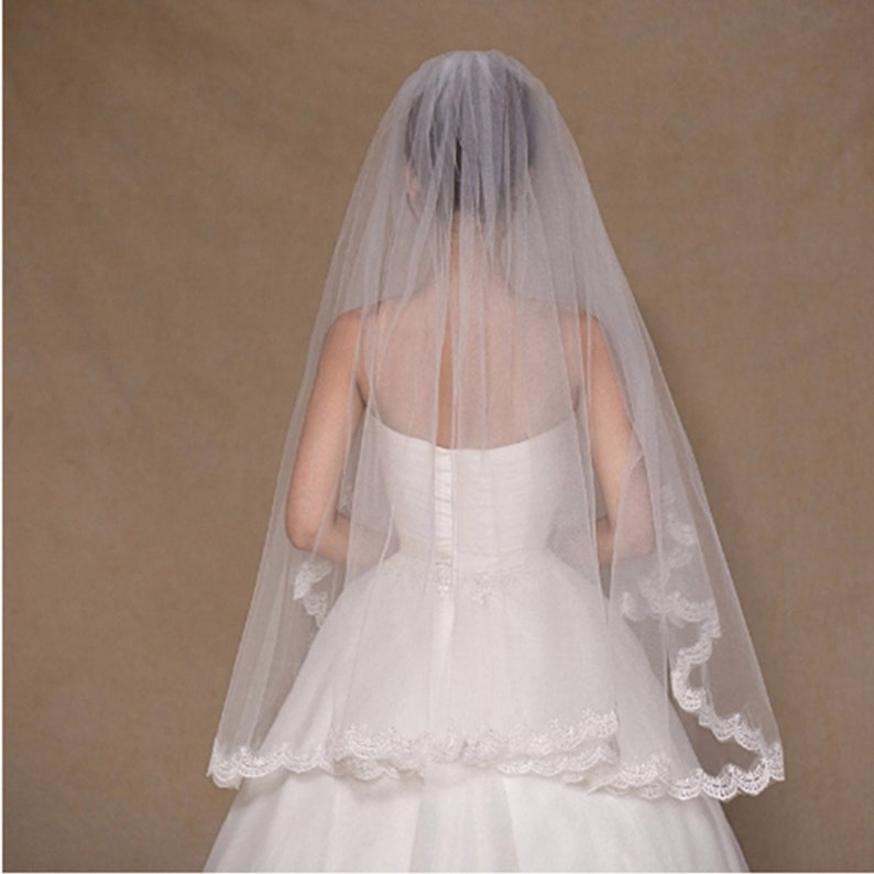 Two Layer Lace Bride Floral Edge Wedding Veil Bridal with Comb image 0