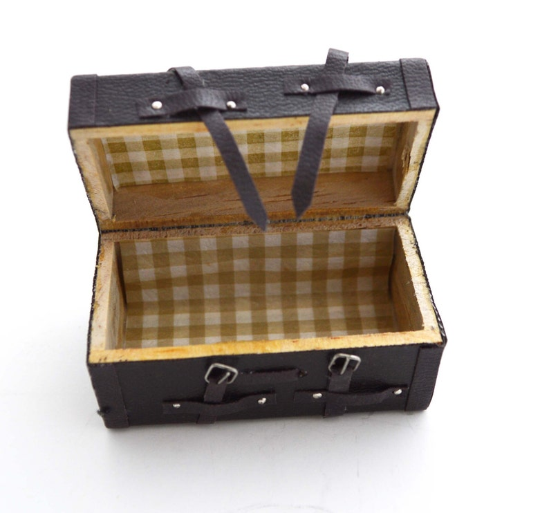 Chest Trunk Dollhouse Miniature Vintage Inspired Travel Suitcase Box Brown Realistic 1PC