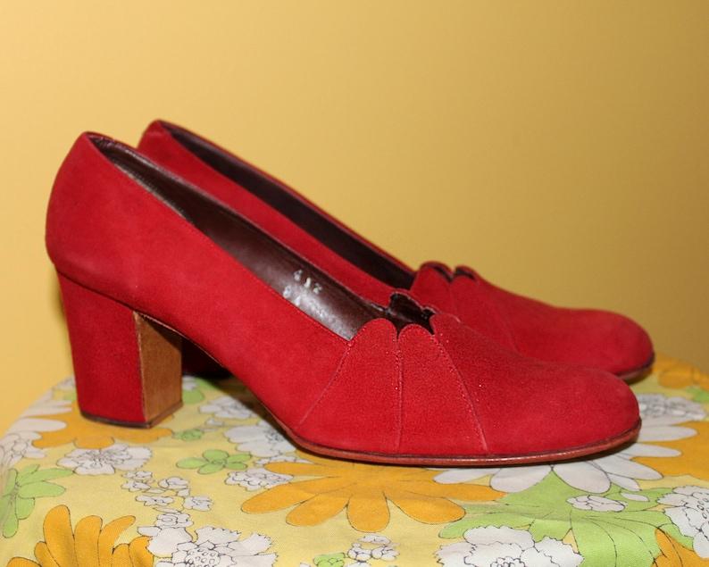 Vintage 70s SCARLET RED HEELS / Suede Leather Pumps / Round image 0