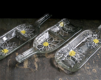 Snack & Dip dishes 'Daisy'  ~ Hand painted, Eco-friendly, recycled melted glass bottles. Condiment / dip / serving dishes. Large white Daisy