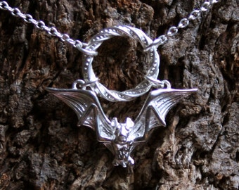 Gothic Bat ~ Discrete Fancy O ring Day Collar / Slave Necklace. Sterling silver. Story of 'O' collar. Captive ring collar. Choker / necklace