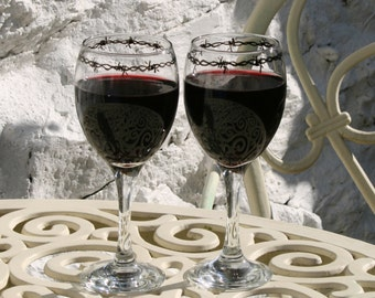 Barbed Wire - Pair of exclusive design barb wire bordered wine glasses! Gothic, Biker, Weddding, Halloween - personalization available