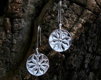 Handmade 'Ma Petite Fleur - Silver drop' Flower earrings. Floral earrings. Hand made sterling silver drop earrings. Simple flower earrings