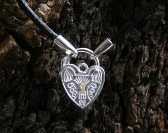 Discrete Day Collar / Slave Necklace. Sterling silver. Choose Black/pink/purple leather or black rubber. Choose plain or fancy padlock