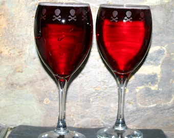 Skull Border - Pair of exclusive design skull & crossbone bordered wine glasses