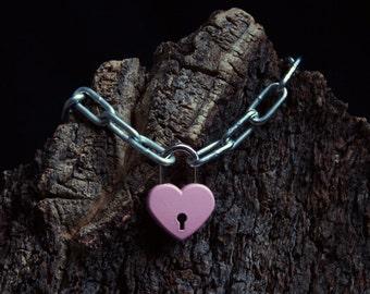 Unisex Heavyweight locking Slave bracelet. Large chain and working padlock BDSM bracelet. Zinc plated chain. Choose padlock color.