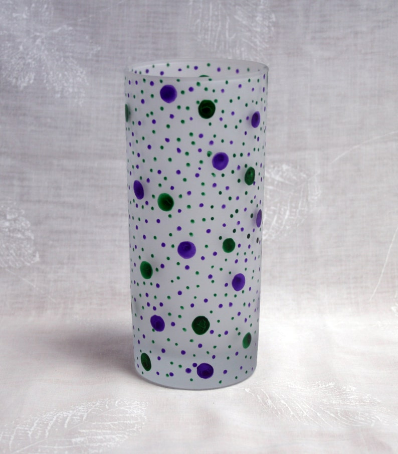 Exclusive design wine glass with purple and green dots and spots encircling an etched bowl Dotty about You Purple /& Green hand painted