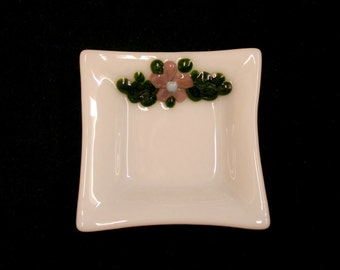 Flora Square Mini, Dusky Mauve ~ A hand made fused glass trinket / ring / earring / sushi dip dish. Raised flowers and green leaves on white