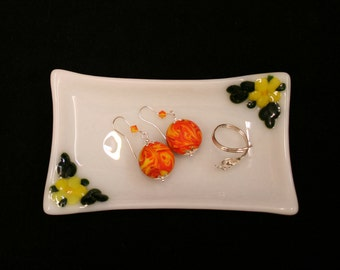 Flora in Yellow ~ A hand made, fused glass trinket / soap / sushi / butter dish with raised yellow flowers and green leaves on a white base