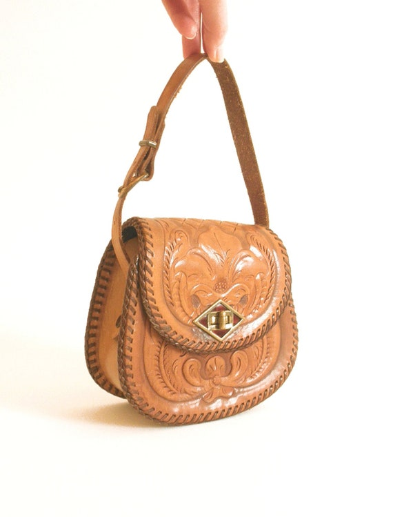 Vintage Hand Tooled Leather Purse JOO-KAY 60 s 70 s   Etsy 2fa0ce32e6