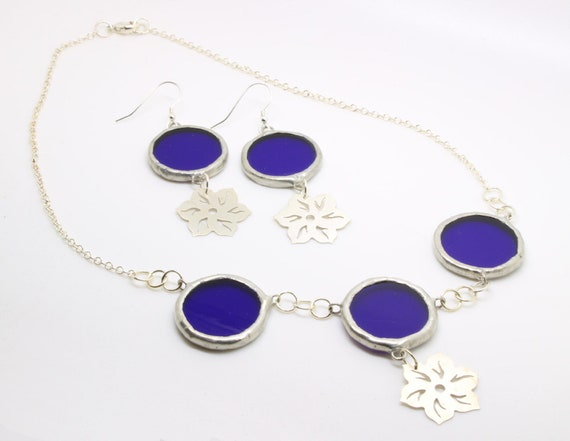 Blue Circle & Silver Flower Necklace and Earrings Gift Set