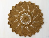 Golden doily Windsor Round designed by Patricia Kristoffersen - 40 cm - crochet doily tablecloth vintage style table runner decoration home