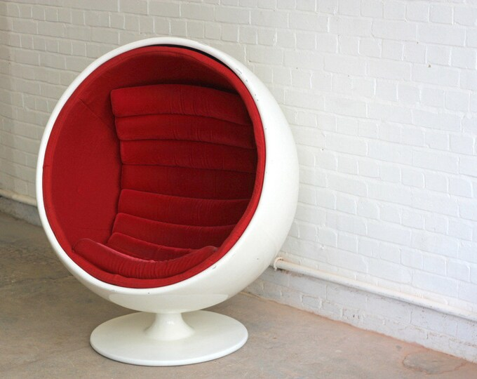 Mid Century Eero Arnio Style Globe Chair Circa 1970's