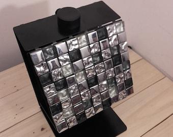 Luminaire created ceramic metal design