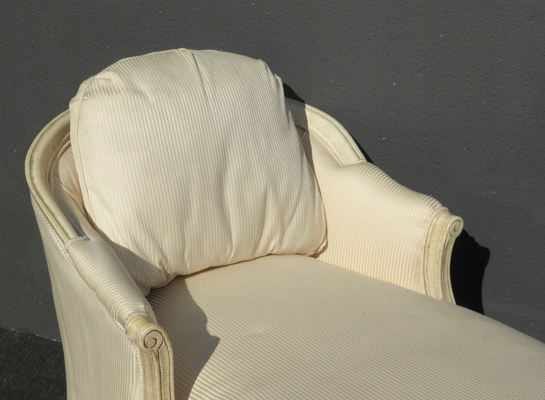 Vintage French Provincial Style White Chaise Lounger Settee
