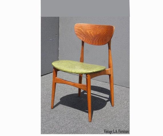 Prime Vintage Danish Modern Style Accent Chair W Green Vinyl Creativecarmelina Interior Chair Design Creativecarmelinacom