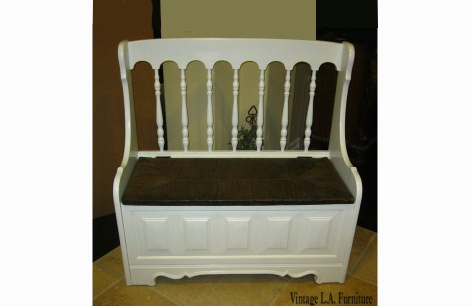 Cool Vintage Tallback White Rush Bench Settee W Spindles Ibusinesslaw Wood Chair Design Ideas Ibusinesslaworg