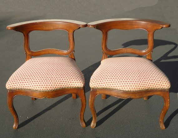 Awesome Pair Of Vintage French Country Red Plaid Accent Chairs Unique Flat Backrest Gmtry Best Dining Table And Chair Ideas Images Gmtryco
