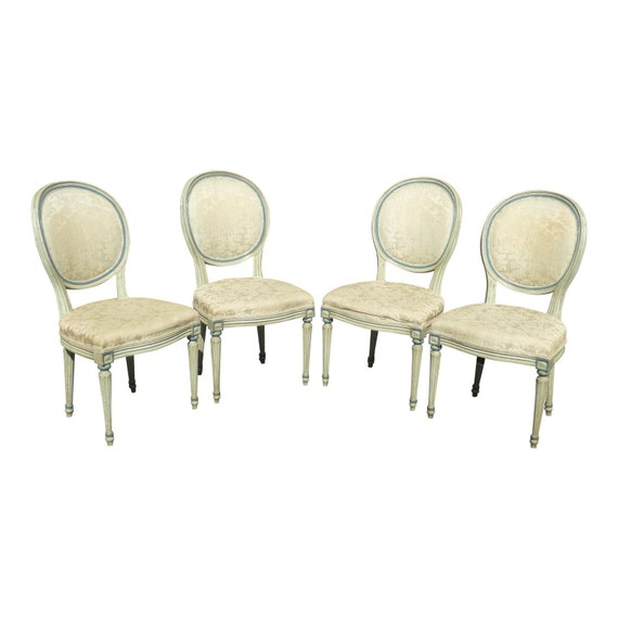 Marvelous Set Of Four Mount Airy Vintage French Provincial White Dining Chairs Unemploymentrelief Wooden Chair Designs For Living Room Unemploymentrelieforg