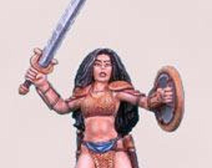 Elmore Masterworks: Chick In Chainmail #3, Female Fighter - 1116 - Dark Sword Miniatures