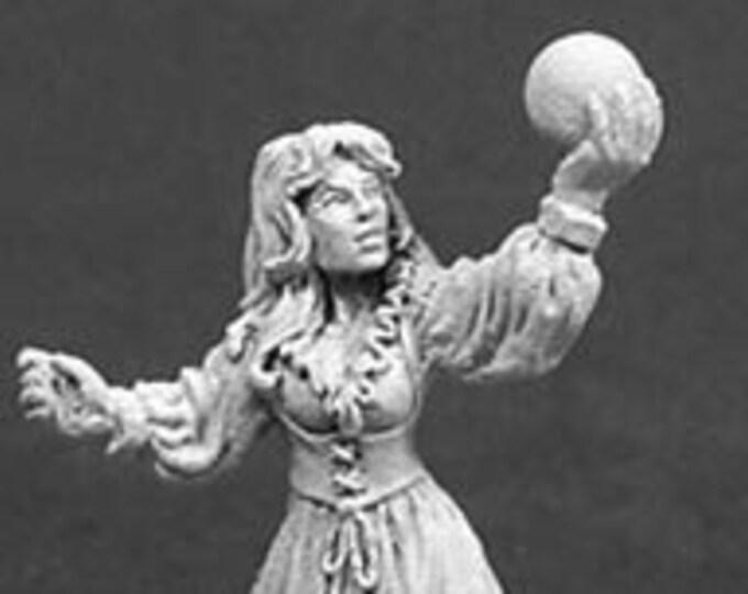Sarah the Seeress - 02030 - Reaper Miniatures
