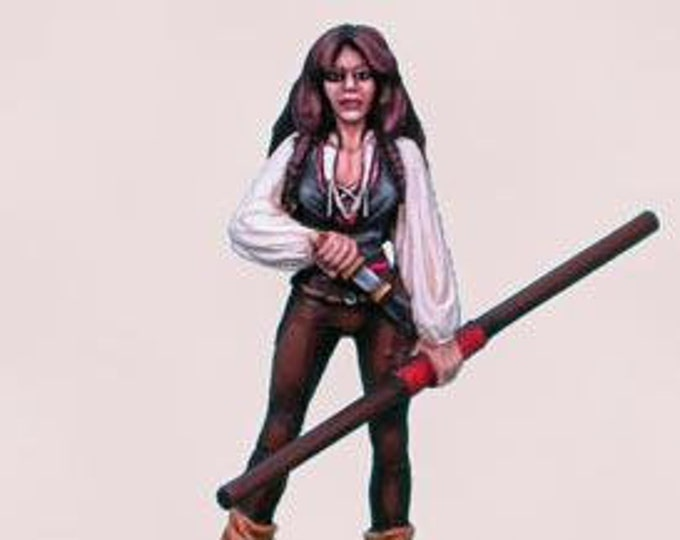Elmore Masterworks: Female Rogue - 1112 - Dark Sword Miniatures