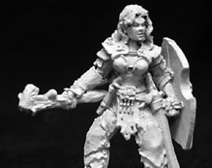 02693: Danra Female Druid - Reaper Miniatures