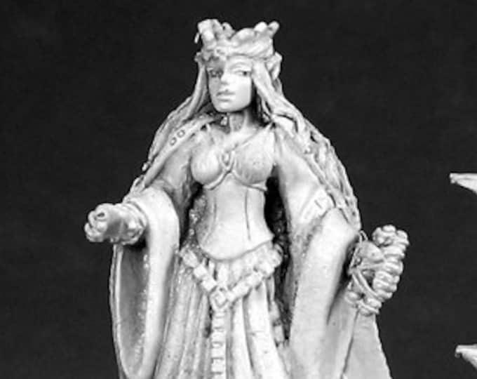 02582: Queen of High Elves - Reaper Miniatures