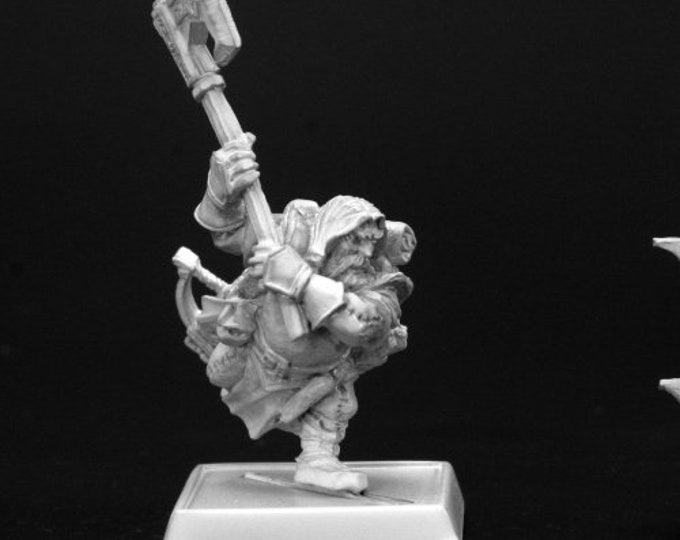 60004: Harsk, Iconic Male Dwarf Ranger - Reaper Miniatures