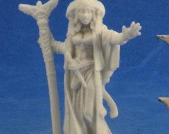 89022: Alahazra, Iconic Oracle \- Reaper Miniatures