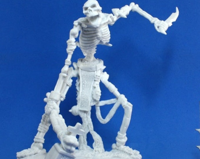 77116: Colossal Skeleton - Reaper Miniatures