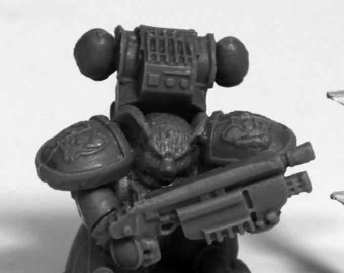 80081: Space Mousling Gun Raised - Reaper Miniatures