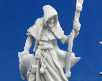 SPECIAL -- Reaper 77040: Satheras, Male Warlock 28mm Dark Heaven Bones Plastic Miniatures - Reaper Miniatures