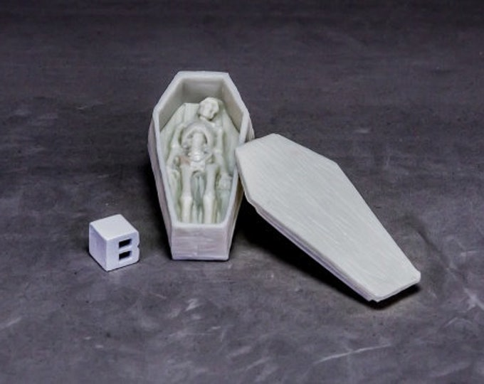 77633: Coffin and Corpse - Reaper Miniatures