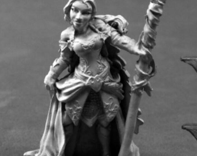 Devona, Female Mage - 03796 - Reaper Miniatures