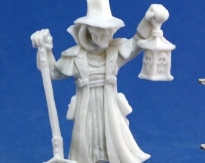 77143: Townsfolk - Undertaker - Reaper Miniatures