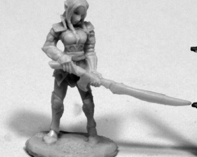 77409: Fiara, Elf Heroine - Reaper Miniatures