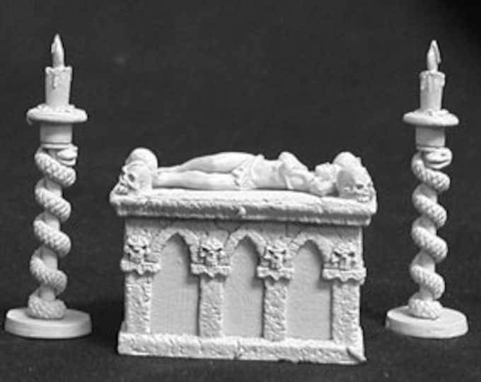 02580: Altar of Evil w/Victim - Reaper Miniatures