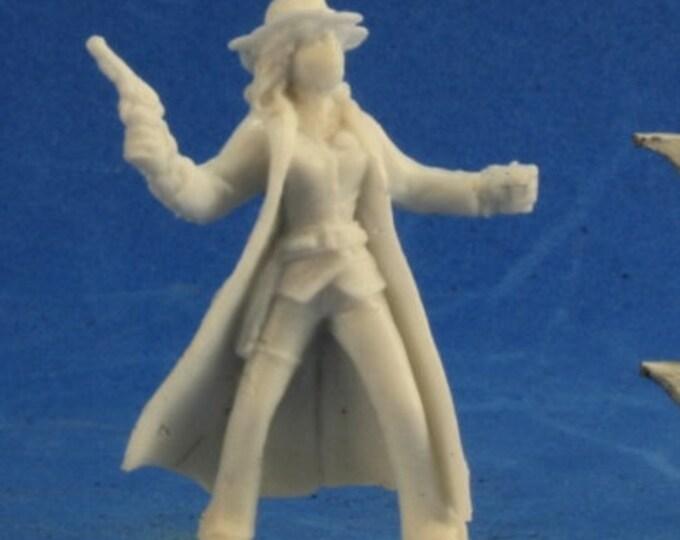 91004: Texas Ranger Female - Reaper Miniatures